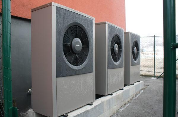 Dodávka a montáž tepelných čerpadel 3x IVT AIR X 17Kw Třemešná 347 a 348